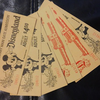 6 Vintage Disneyland tickets - Advertising