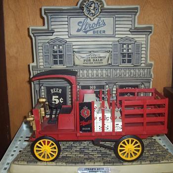 STROH'S Truck Display! - Breweriana