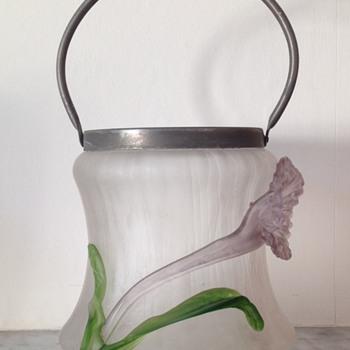 Kralik soie de verre ice bucket with applied flower and leaves - Art Glass