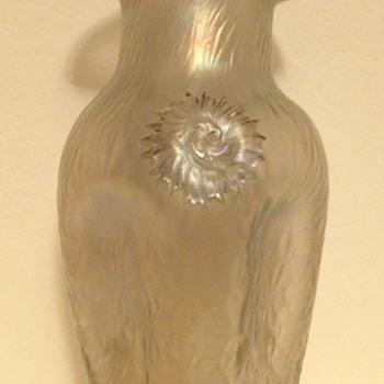 """Kralik petal ruffled vase with """"celery"""" twisted prunts"""