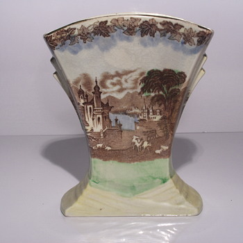 "Post 2/4  07-11''Miling England, Art Nouveau Fan Vase""1920-40 - Pottery"