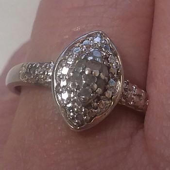 Flea market ring - Costume Jewelry