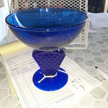 Trying to Identify this dish - Glassware