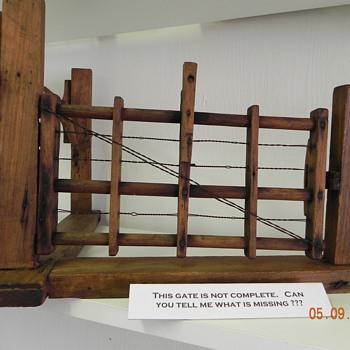 AUTOMATIC FARM GATE PATENT MODEL - Advertising