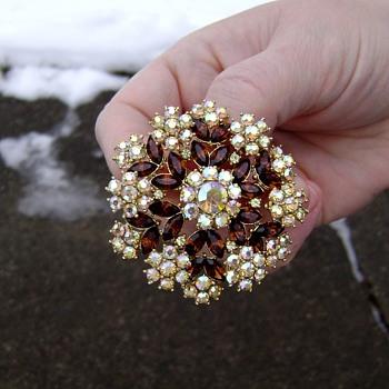 Vintage Crown Trifari Brooch - Contessa - Costume Jewelry