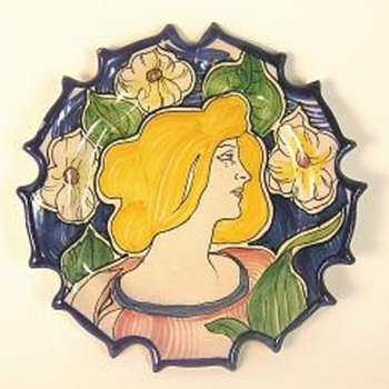 Third Art Nouveau plate - Art Nouveau