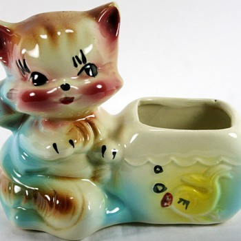 Vintage Cat With Fish American Bisque Planter - Pottery