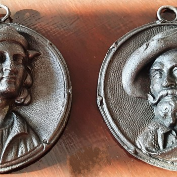Rare Iron Berlin Relief Medallions - portraits of Rubens and Raphael (2) - end 18th begin 19th century - Fine Art
