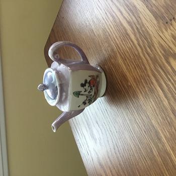 Child's tea pot - Advertising
