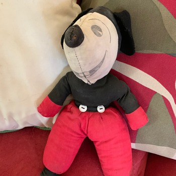 Vintage Mickey Mouse found in a bin - Animals