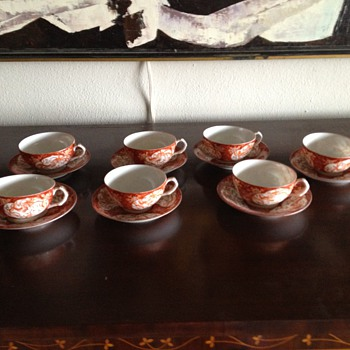 Antique handpainted Imari teacups and saucers - Asian