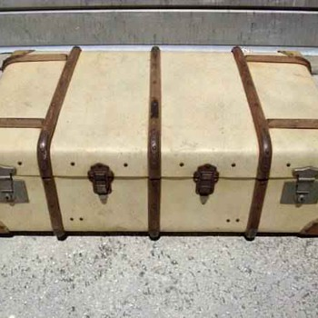 What kind of trunk is this?  - Furniture
