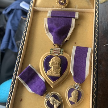 Vintage purple hearts & US leather gun holster - Military and Wartime