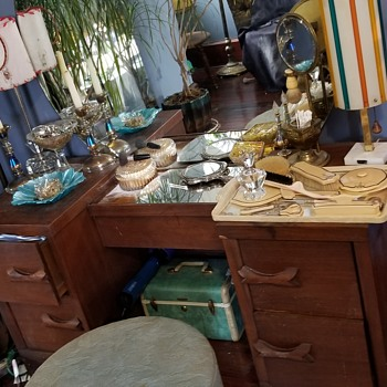 Vintage vanity  - Furniture