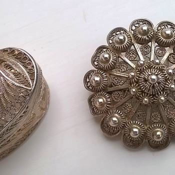 Filigree 925 Leaf Keepsake Box & Zeeuwse Knopjes Silver Brooch From Geri's Stash - Fine Jewelry