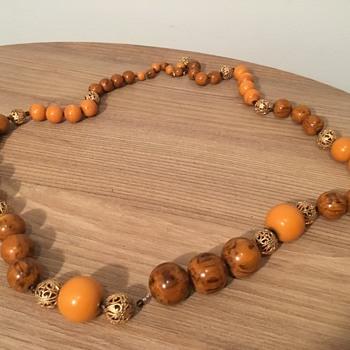 """Hobe 35"""" Bakelite Necklace - Costume Jewelry"""