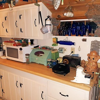 Exciting Pictures of My Kitchen Filled with Vintage Stuff - Kitchen