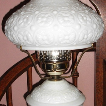 Milk Glass table lamp - Lamps