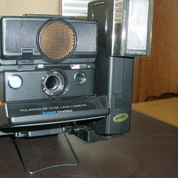 Polaroid SX-70 SE Land Camera With Flash Attachment - Cameras