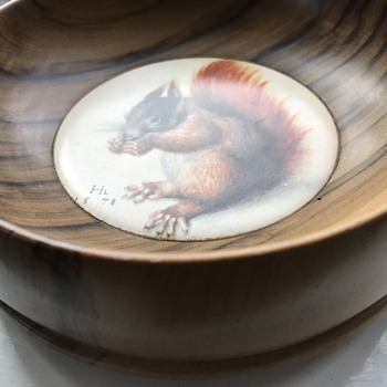 Squirrel nut bowl - Animals