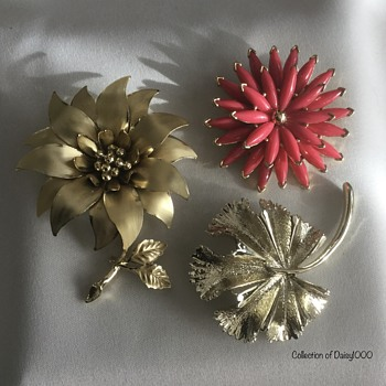 Suddenly Spring-Into-Summer (5) — Some Flora - Costume Jewelry