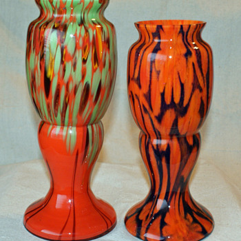 Comparing two Welz or Kralik vase shapes - Art Glass