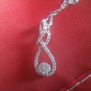 Ladies Tear Drop Pendant - Fine Jewelry