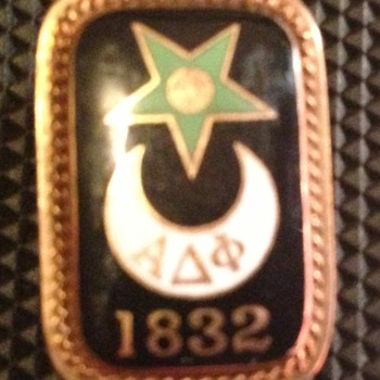 Alpha Delta Phi fraternity pin - Medals Pins and Badges
