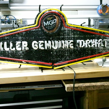 MGD Neon-Weathered look - Signs