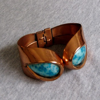 Matisse Renoir Sari cuff w/aqua enamel and atomic shape  set from Matisse - Costume Jewelry