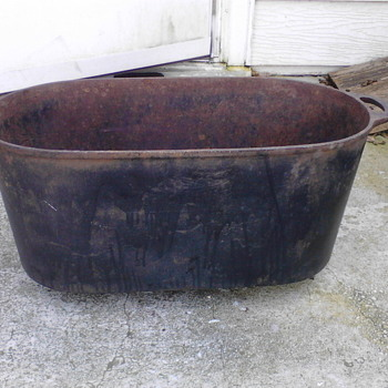 "Primitive Rendering Cast Iron Pot Large 18# 23"" x 10"" x 10"""