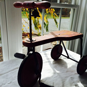 Sweet little find -Trike with bell  - Toys