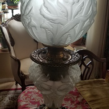 Regal Iris oil lamp - Art Glass