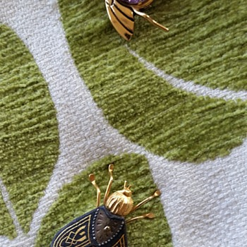 """""""Bee kind"""" or starting my flying bug collection - Costume Jewelry"""