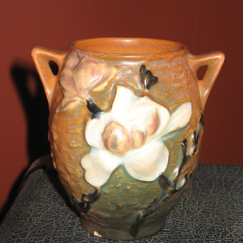 Roseville U.S.A. 86-4 Art Pottery - Pottery