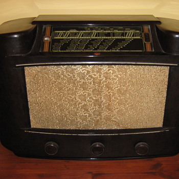 Philips Bakelite Radio - Information please