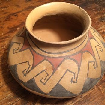 Native American pottery - Pottery