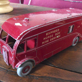 Mecchano dinkysupertoys Express Horse Box - Model Cars