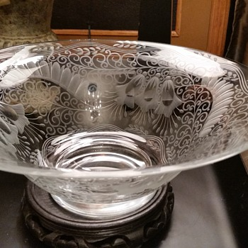Heavy etched crystal bowl - Glassware