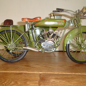 HAND MADE HARLEY DAVIDSON MODEL? - Motorcycles