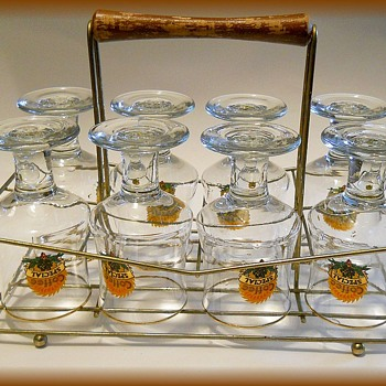 Vintage Barware Glasses with CARRY CADDY  - Glassware