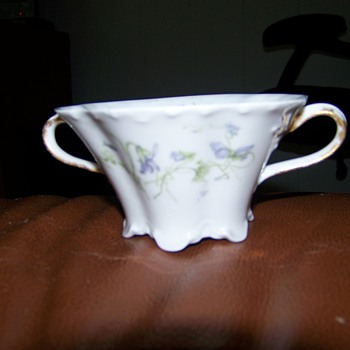 Cup or Sugar bowl? - China and Dinnerware