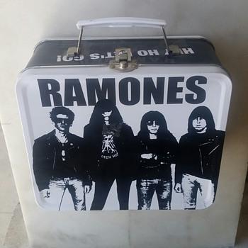 Ramones tin lunch box - Kitchen