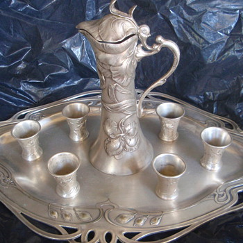 WMF Tray, Teapot, 6 matching cups - 1890-1900 Silver Plate - Art Nouveau