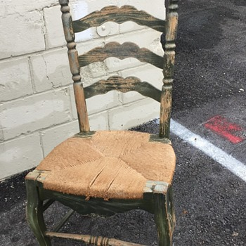 ANTIQUE LADDER BACK CHAIR NO MARKINGS UNKNOW AGE - Furniture