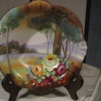 Nippon Green M in Wreath Bowl.Floral Motif Tree in Meadow.Ruffled Crimp Edge 8""