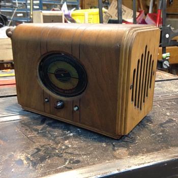 AM/Shortwave Radio - Radios