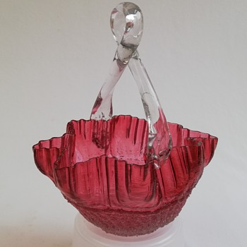 Welz Baskets   - Art Glass