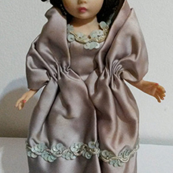 Who is this lovely Madame Alexander Doll? - Dolls