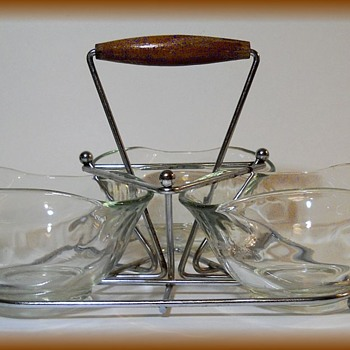 Vintage Chip Server with Caddy  ( Teak Handle ) - Glassware
